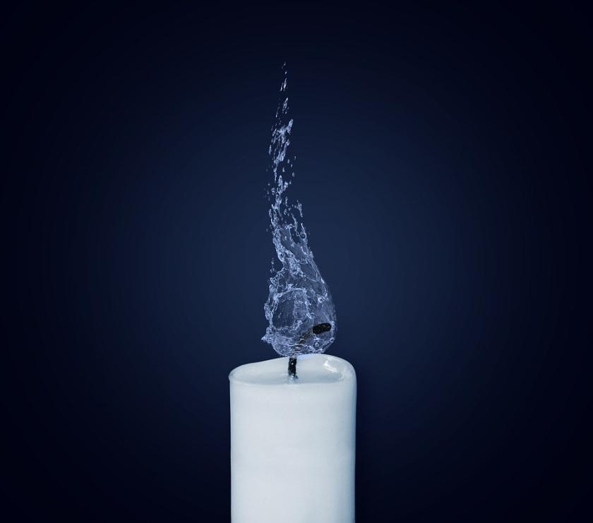 candle-1042087_1280.jpg